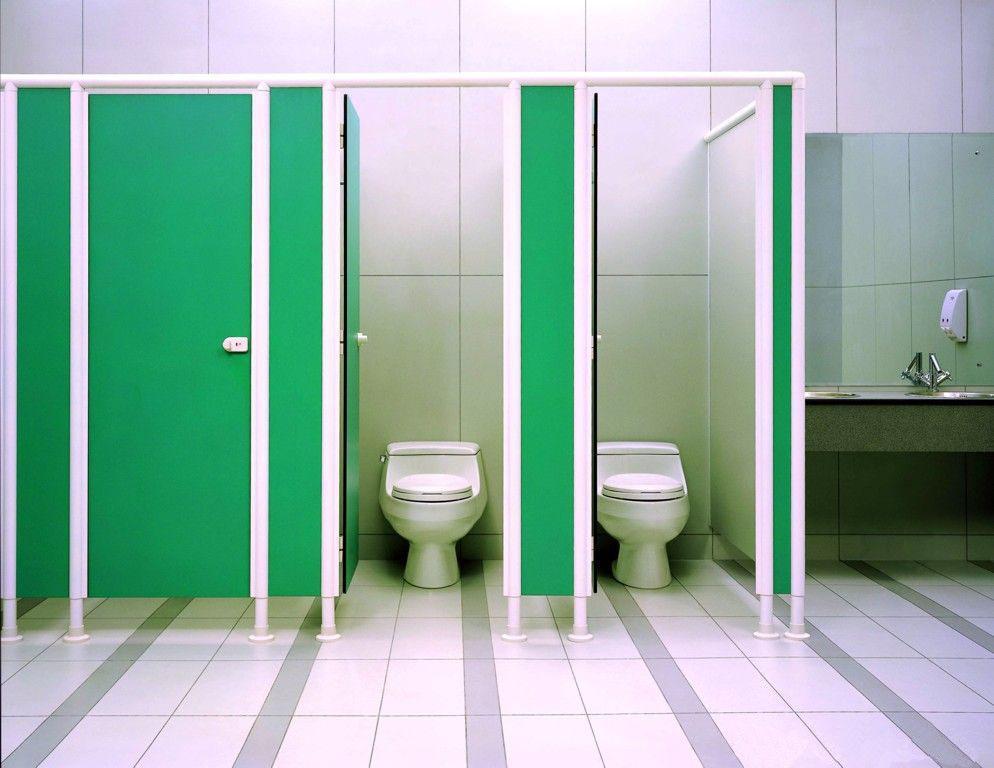 Ứng dụng của tấm Compact HPL trong vách ngăn vệ sinh?