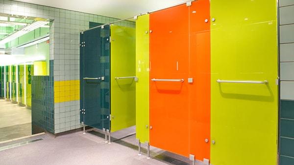 Tiêu chuẩn lựa chọn màu sắc cho vách ngăn vệ sinh