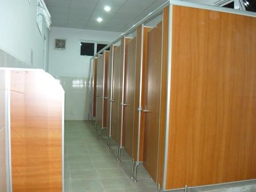 vách ngăn phòng vệ sinh