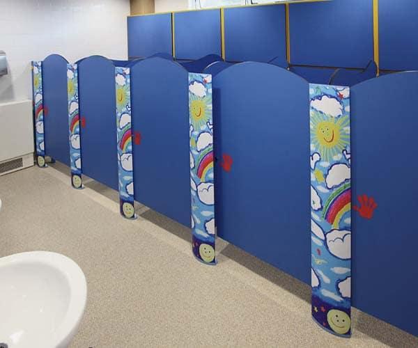 mẫu vách ngăn nhà vệ sinh trường mầm non