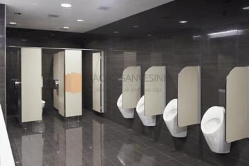 Nhận thi công vách ngăn vệ sinh uy tín tại Hà Nội – THM Vách ngăn