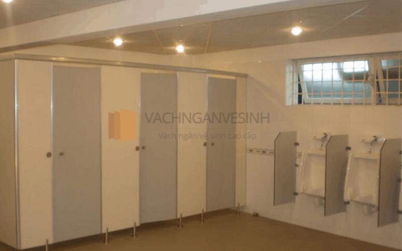 vach-ngan-ve-sinh-composite